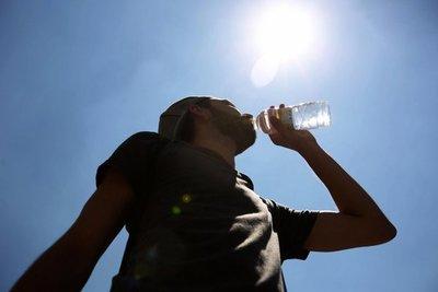 Buena hidratación es vital ante altas temperaturas