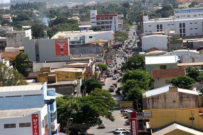 Entusiasma a comerciantes la llegada de cantidad de turistas de compras en Pedro Juan