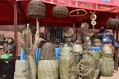 A través de ferias, buscan atraer a compradores en Caacupé