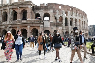 Cuarta jornada consecutiva de récord de positivos por coronavirus en Italia