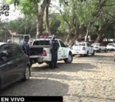 Toman de rehén a joven para llevarse su vehículo en Villa Elisa