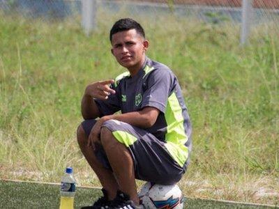 Osama Vinladen  jugará en un equipo de Perú