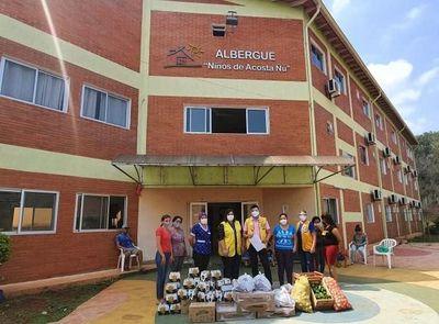 Donan 300 kilos de alimentos al albergue del Hospital Acosta Ñu