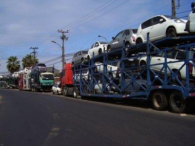 DNA y la SET le echan ojo a  la importación de vehículos