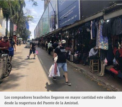 Aumenta afluencia de compradores en Ciudad del Este