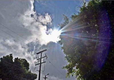 Anuncian domingo caluroso con probabilidad de lluvias dispersas y tormentas en algunas localidades