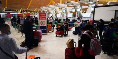 Último vuelo especial con repatriados partió de Madrid