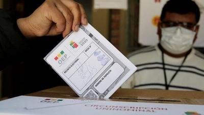 HOY / Los bolivianos comienzan a votar para elegir presidente y nuevo Parlamento
