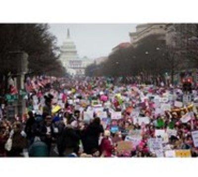 Marcha de mujeres busca  poner fin a la presidencia de Trump
