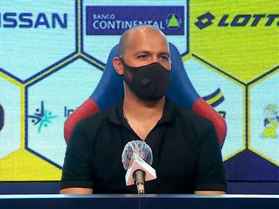 Conferencia de prensa de Paredes