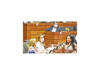 """Comisión escuchará descargo de María Bajac """"por gentileza"""""""