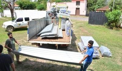 Gobernación entrega ayuda a familias afectadas por temporal