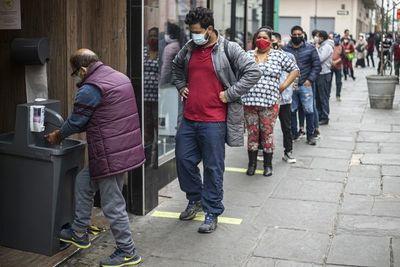 Especialista afirma que aumentaron las dificultades para conseguir empleo