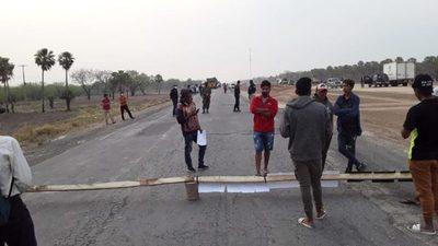 Pobladores de Irala Fernández realizan nuevo cierre de la Transchaco