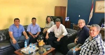 """La Nación / Cuestionan a líderes liberales por uso de """"pescadores"""" para obtener compensaciones"""