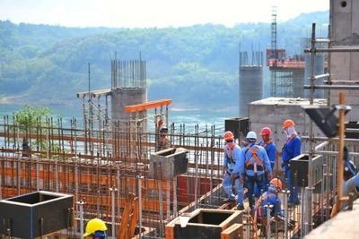 Intensifican montaje de la viga trasversal de torre principal del Puente de la Integración – Diario TNPRESS