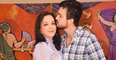 """""""Domingo de relax"""" para Zuni y su novio en el río Paraguay"""