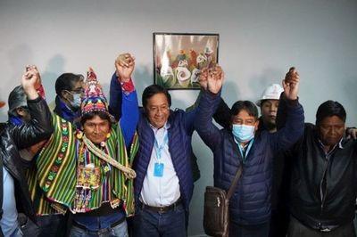Candidato de Evo celebra triunfo a espera de resultados oficiales en Bolivia