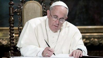 El Papa Francisco insta a pagar impuestos