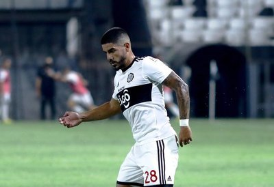 Jorge Recalde anota el gol de la fecha