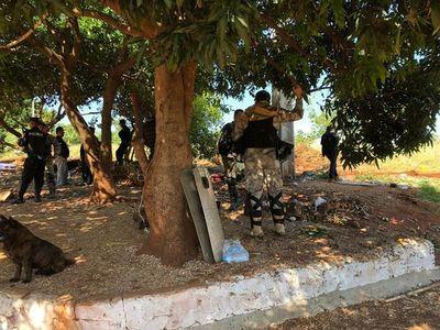 Amurallan propiedad con custodia policial en CDE