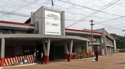 Mujer fue detenida cuando intentaba meter explosivos a Tacumbú