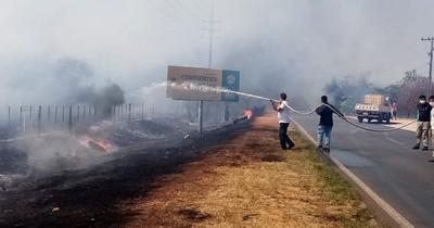 La Nación / Incendio se desata en pastizal de Ypané
