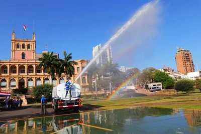 Itaipu entrega camiones hidrantes a la SEN para el combate de incendios
