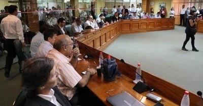 La Nación / Buscan limitar gastos de representación a concejales municipales