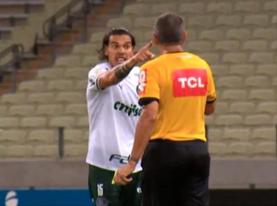 El informe con denuncia incluida del árbitro contra Gustavo Gómez