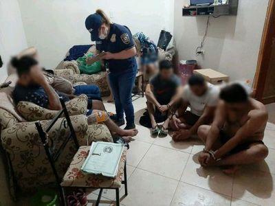 Detienen a nueve presuntos miembros de una banda de asaltantes