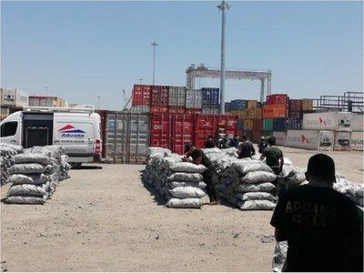 Verifican contenedores con cargas de cocaína entre carbón vegetal