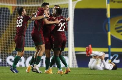Wolverhampton toma impulso con victoria por la mínima