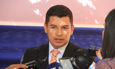 Mario Abdo destituye al titular del Indert ante denuncia por cobro de coimas