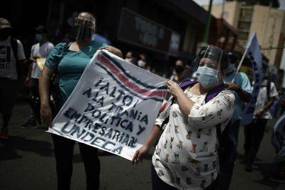 Sindicatos protestan en Costa Rica contra los planes económicos del Gobierno