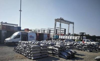 HOY / Cae importante cargamento de cocaína en puerto de Villeta: ocultaron droga entre bolsas de carbón