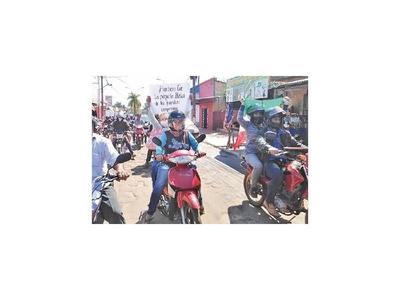 Caravana en Barbero Cué pide que tierras ya sean transferidas