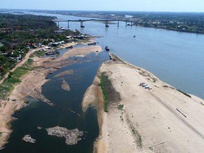 Pescadores alertan sobre daños a la isla y empresa habla de oportunismo