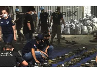Caen al menos 2.300 kg de cocaína y apresan a ex director de TV Pública