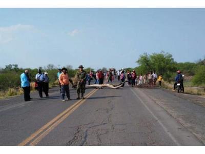 Indígenas cierran la Transchaco en reclamo de asistencia