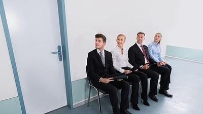 Aumentan dificultades para conseguir primer empleo durante la pandemia