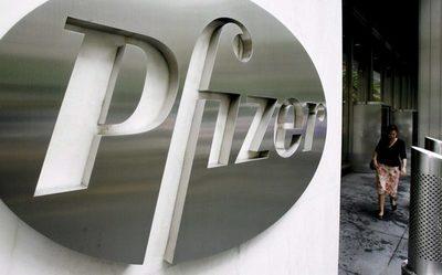 Pfizer podría empezar a suministrar vacuna COVID-19 después de elecciones EEUU