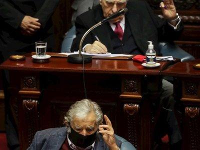 Mujica y Sanguinetti se despiden del Senado uruguayo