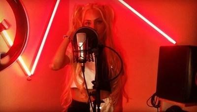 Divina se lanzó como cantante de trap