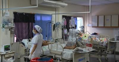 La Nación / Sindemia: Clínicas, saturada, recibe pacientes de COVID-19 y de dengue
