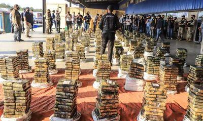 Gran golpe al narcotráfico con incautación de cocaína en Villeta, destaca Mario Abdo