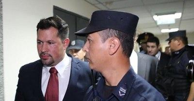 La Nación / Causa que involucra a Ulises Quintana corre riesgo de quedar impune, afirma Latorre