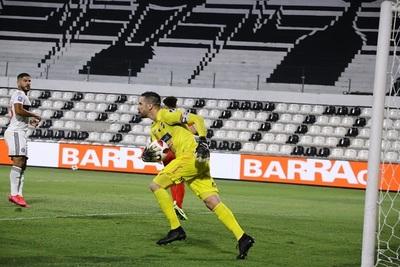 Antony Silva y su opinión sobre el gol anulado al Pollo por la posición de Antolín
