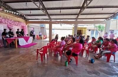 Mujeres de centros penitenciarios realizan varias actividades por Octubre Rosa