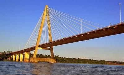 Encarnacemos inician protestas a la espera de la apertura del Puente que los une a Posadas
